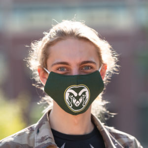 Student wearing CSU face mask